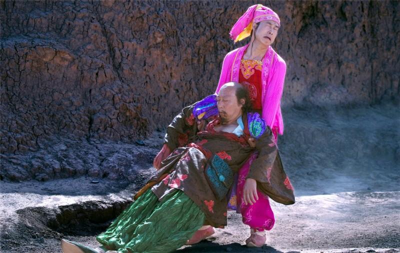 Ni Dahong e Xiao Shen-Yang in una scena del film The First Gun di Zhang Yimou