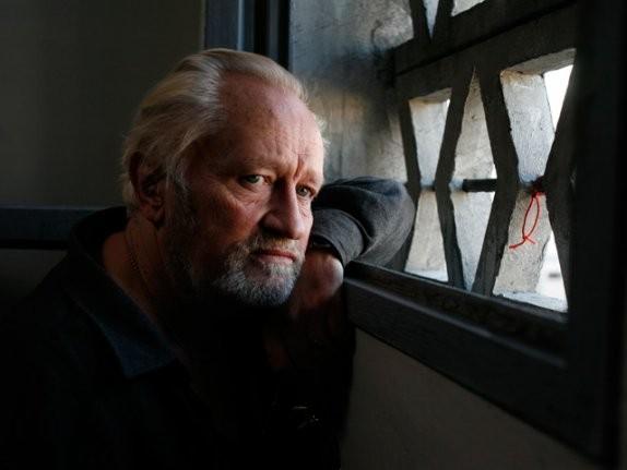 Niels Arestrup in una scena del film Il profeta (2009)