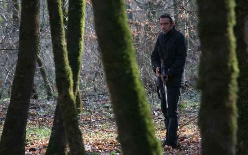 Rafi Pitts in un momento del film Shekarchi (The Hunter)