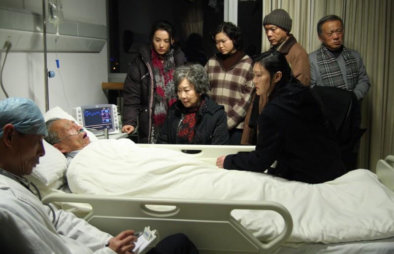 Xu Caigen e Lisa Lu in Tuan Yuan (Apart Together), film d'apertura del Festival di Berlino 2010