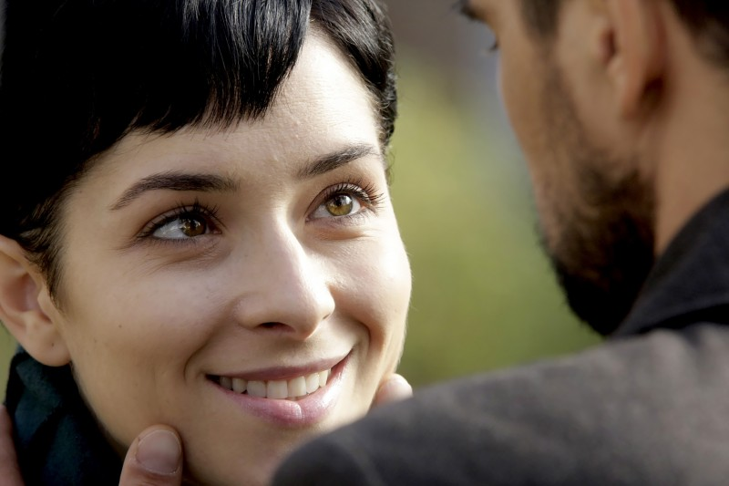 Zrinka Cvitesic e Leon Lucev in una scena del film On the Path