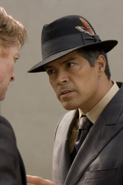 Caprica: Esai Morales nell'episodio The Reins of a Waterfall