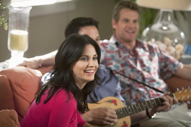 Cougar Town: Courteney Cox nell'episodio Scare Easy