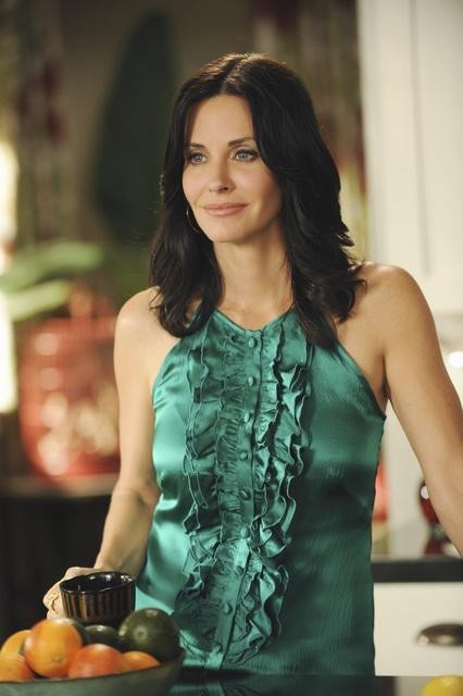 Cougar Town: Courteney Cox nell'episodio When a Kid Goes Bad