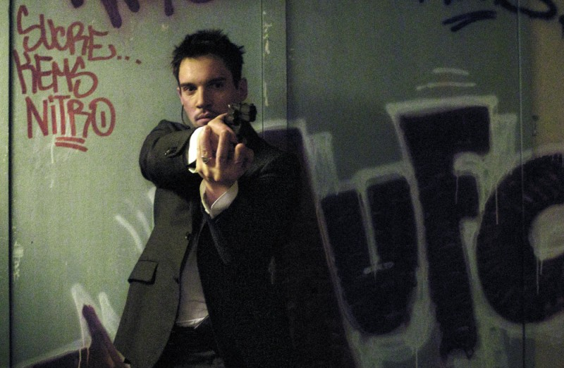 Jonathan Rhys Meyers è l'agente segreto James Reece nel film From Paris with Love