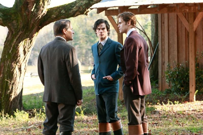 James Remar, Ian Somerhalder e Paul Wesley in una sequenza dell'episodio Children of the Damned di Vampire Diaries