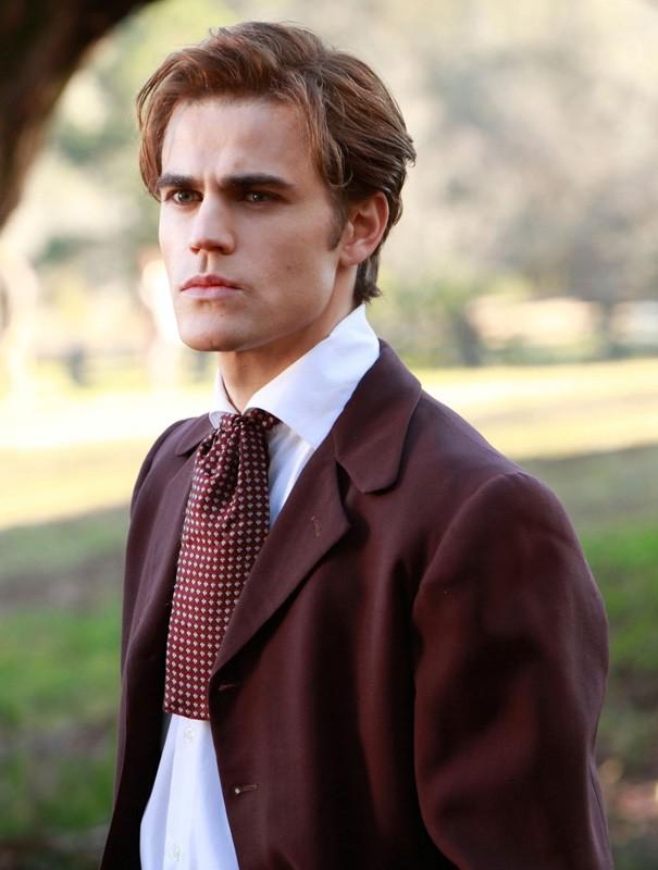 Stefan (Paul Wesley) in un flashback del suo passato nell'episodio Children of the Damned di The Vampire Diaries