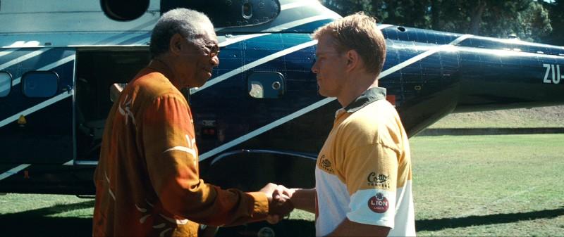 Morgan Freeman e Matt Damon in una sequenza di Invictus