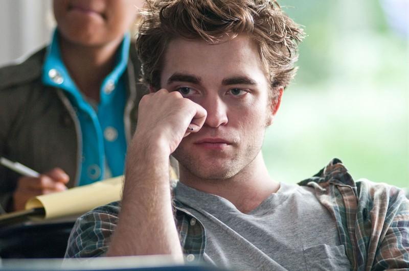 Tyler (Robert Pattinson) a lezione in una scena del film Remember Me