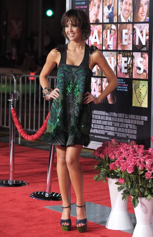 Jessica Alba alla premiere del film Valentine's Day a Los Angeles, l'8 Febbraio 2010