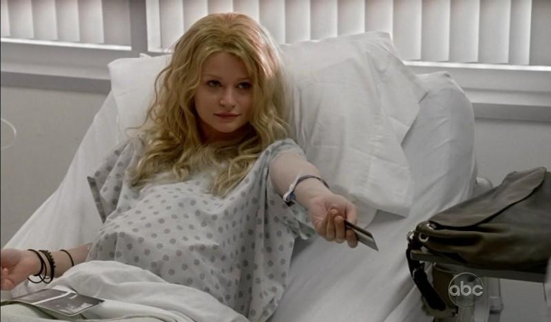 Emilie de Ravin in una scena tratta da What Kate Does dalla sesta stagione di Lost