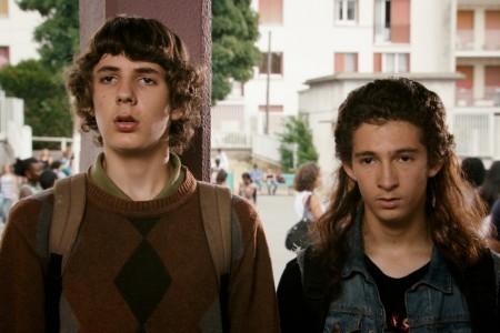 Vincent Lacoste e Anthony Sonigo in una scena del film Les beaux gosses (2009)