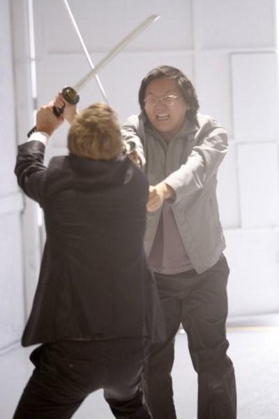 David Anders e Masi Oka in una scena di Pass/Fail, dalla quarta stagione di Heroes