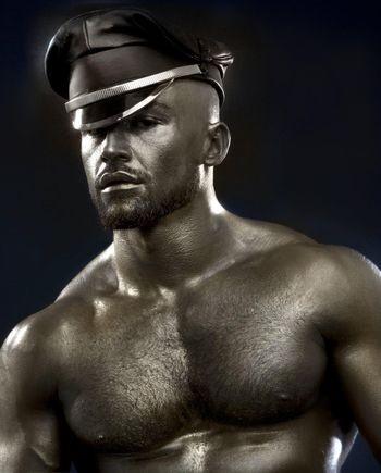 La star del porno gay Francois Sagat