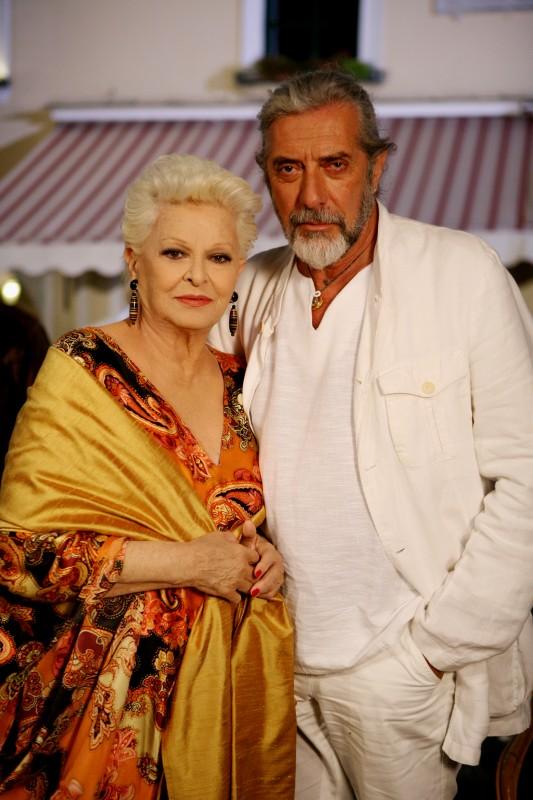 Lucia Bosè e Mariano Rigillo in una scena della fiction Capri 3