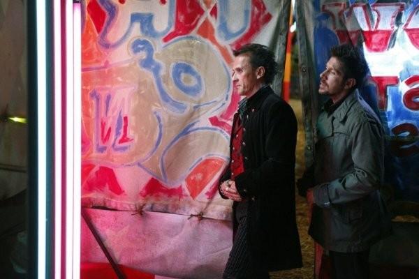 Robert Knepper e Ray Park in una scena di Brave New World dalla quarta stagione di Heroes