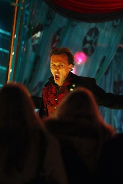 Robert Knepper in una scena tratta da Brave New World dalla quarta stagione di Heroes