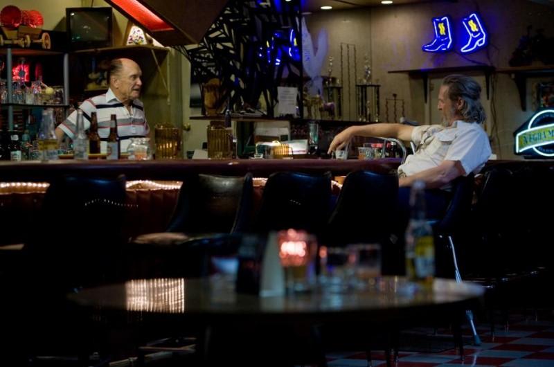 Jeff Bridges e Robert Duvall in una scena del film Crazy Heart