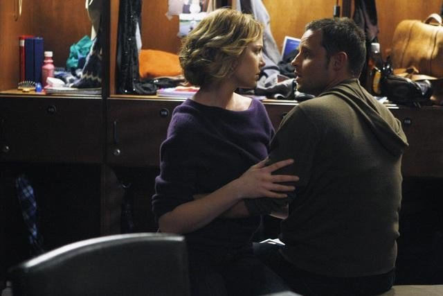Katherine Heigl e Justin Chambers in una scena di I Like You So Much Better When You're Naked dalla sesta stagione di Grey's Anatomy