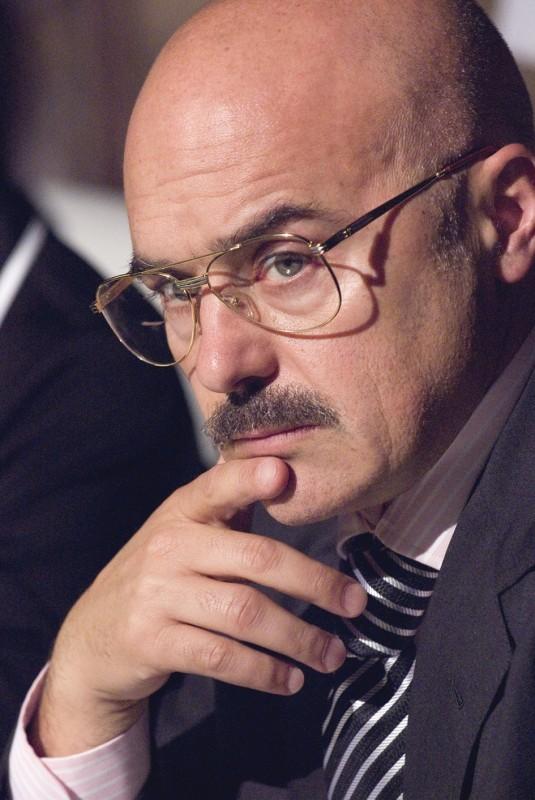 Luca Zingaretti in un'immagine del film Il figlio più piccolo di Pupi Avati