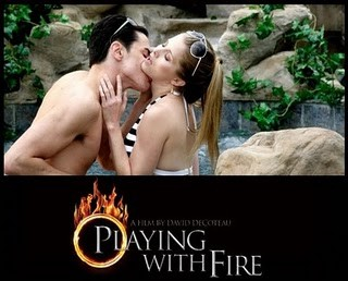 Un'immagine promo sexy del thriller Playing with Fire.