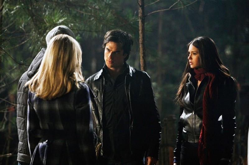 Zach Roerig e Candice Accola incontrano Ian Somerhalder e Nina Dobrev nell'episodio Fool Me Once di The Vampire Diaries