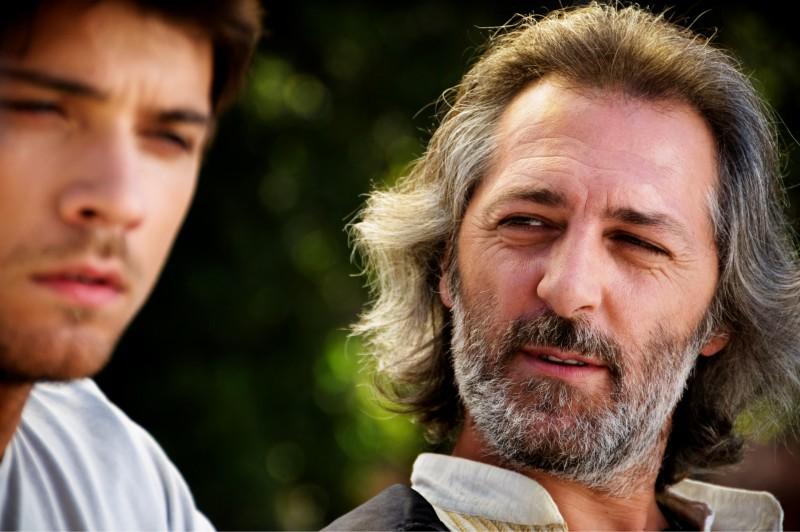 Emanuele Bosi in una scena del film Una canzone per te