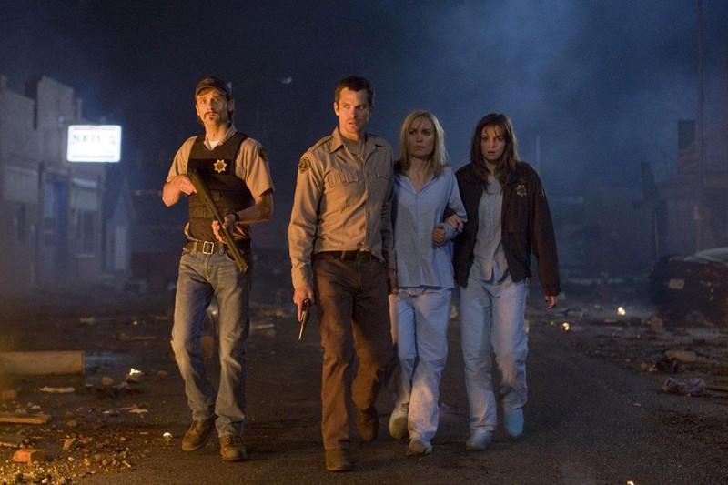 Il cast principale: Joe Anderson, Timothy Olyphant, Radha Mitchell e Danielle Panabaker del film The Crazies