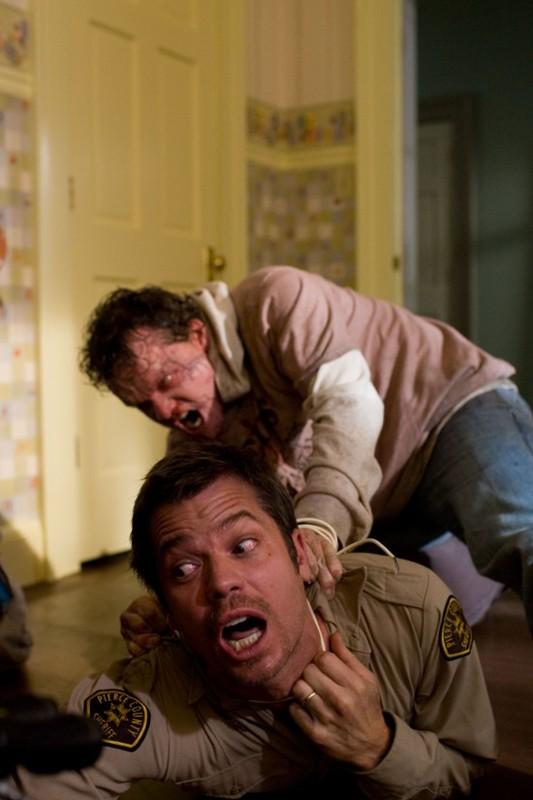 Una sequenza movimentata del film The Crazies con Timothy Olyphant e Justin Welborn