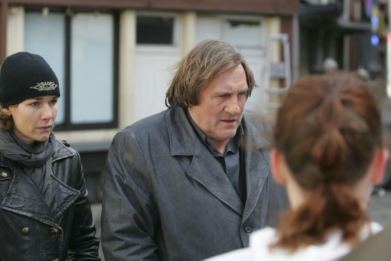 Anne Coesens e Gerard Depardieu in una scena di Diamond 13