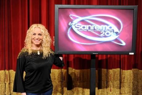Antonella Clerici in una foto promozionale di Sanremo 2010
