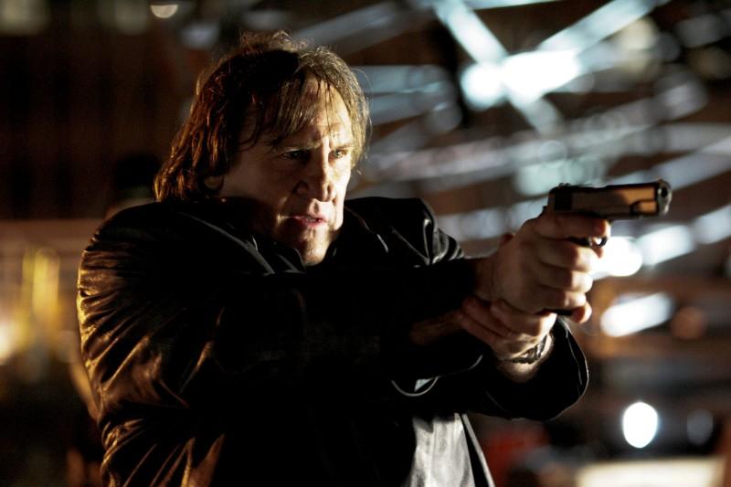 Gerard Depardieu, giustiziere in azione nel film Diamond 13