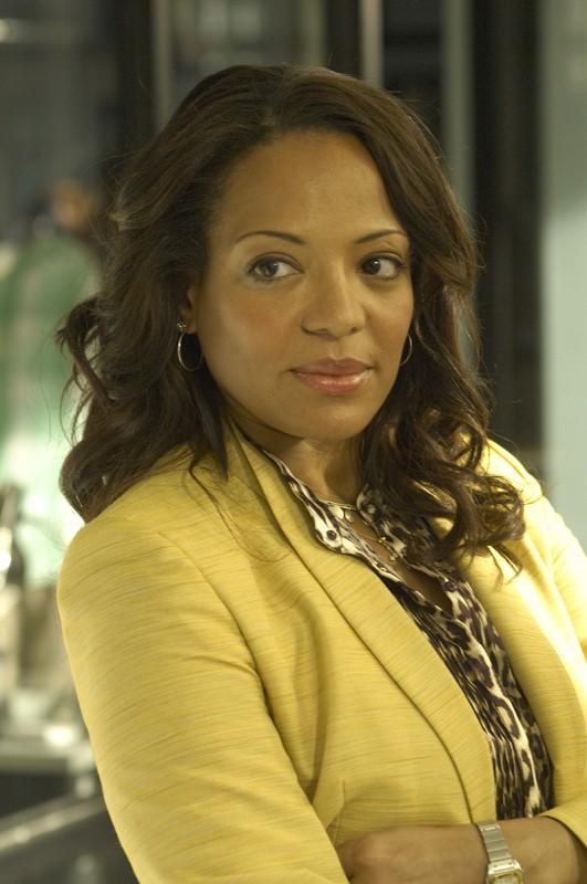 Lauren Vélez è il Tenente Maria Laguerta nell'episodio Remains to be Seen di Dexter