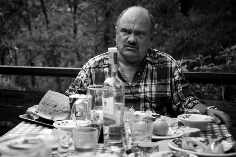 Teco Celio in un'immagine tratta dal film Due vite per caso di Alessandro Aronadio