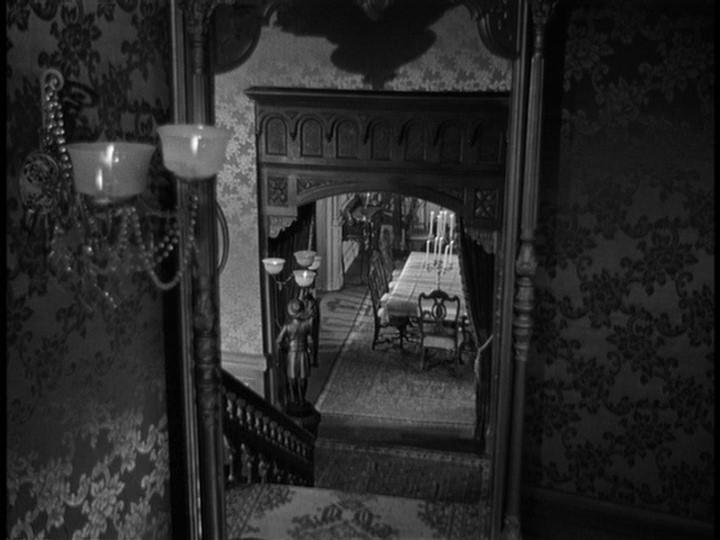 Una scena del film La scala a chiocciola ( 1946 )