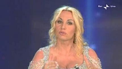 Festival di Sanremo 2010, seconda serata: Antonella Clerici