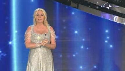 Festival di Sanremo 2010, seconda serata: Antonella Clerici è la conduttrice