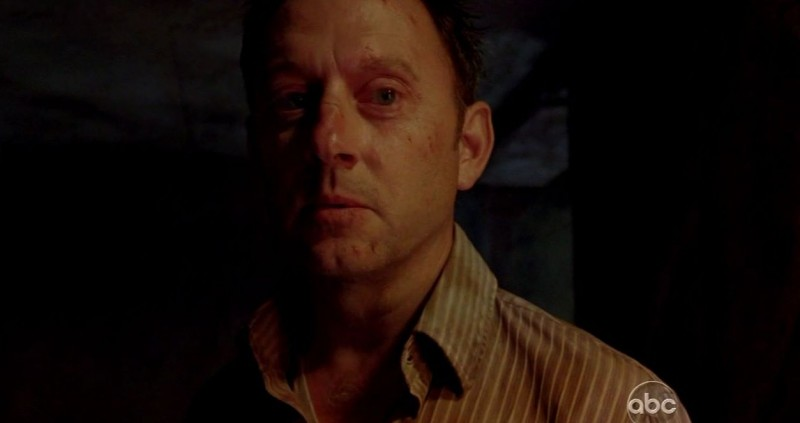Michael Emerson in una scena di The Substitute dalla sesta stagione di Lost