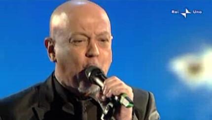 Sanremo 2010, seconda serata: Enrico Ruggeri