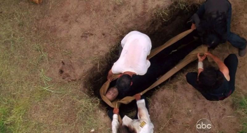 Terry O'Quinn in una scena tratta da The Substitute dalla sesta stagione di Lost