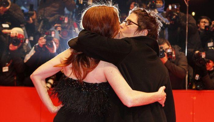Berlinale 2010: un bacio appassionato tra Julianne Moore e Lisa Cholodenko, regista di The Kids are All Right