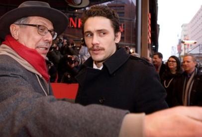 Berlino 2010: James Franco, protagonista di Howl, con Dieter Kosslick