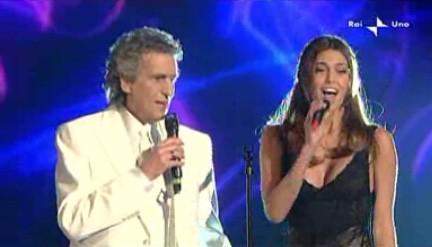 Sanremo 2010, terza serata: Belen Rodriguez con Toto Cutugno