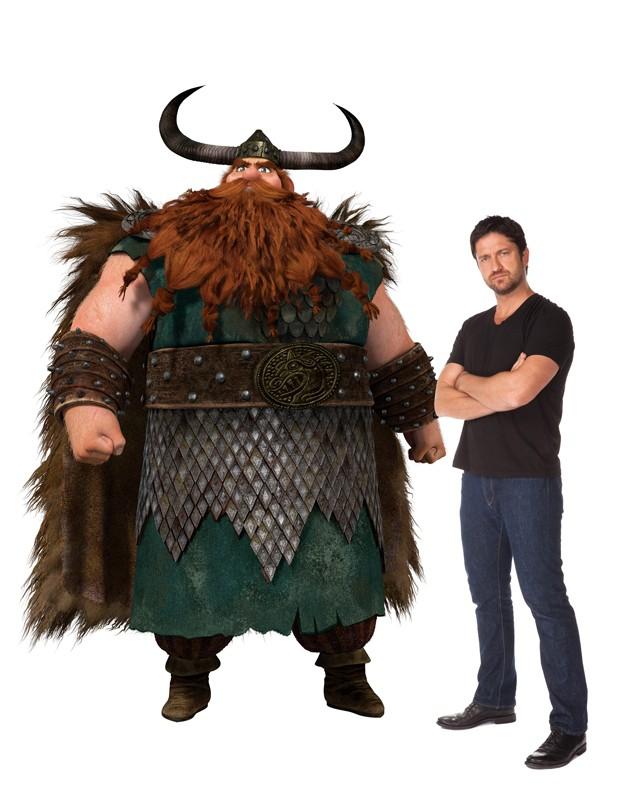 Gerard Butler e il suo personaggio Stoick in una foto per il film Dragon Trainer