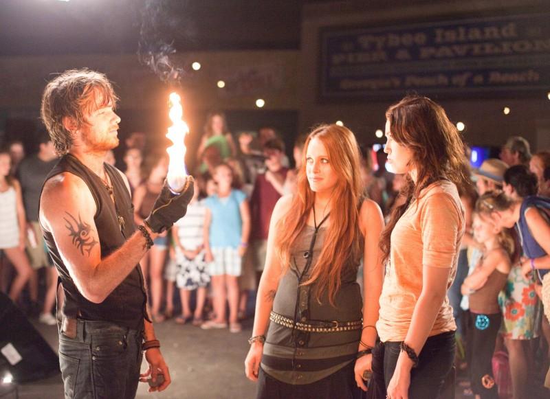 Nick Shalaway, Miley Cyrus e Carly Chaikin in un'immagine di The Last Song