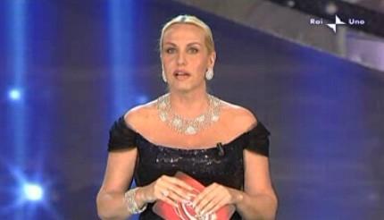 Sanremo 2010, Antonella Clerici durante la serata finale