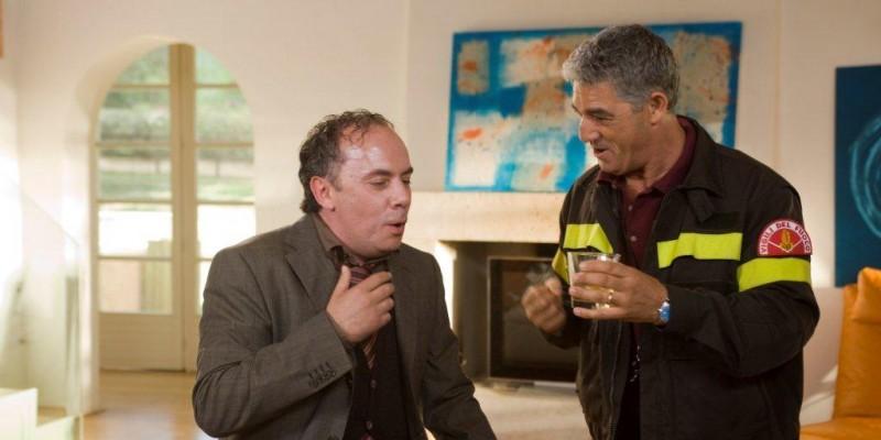 Biagio Izzo in una scena di Alta infedeltà.