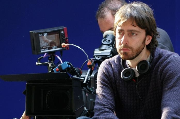 Il regista Daniel Sánchez Arévalo sul set del suo film Gordos