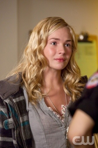 Life UneXpected: Brittany Robertson in una scena dell'episodio Crisis Unaverted