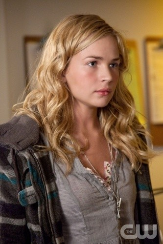Life UneXpected: Brittany Robertson nell'episodio Crisis Unaverted